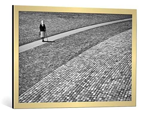 kunst für alle Bild mit Bilder-Rahmen: Kike Balenzategui Way of Life - dekorativer Kunstdruck, hochwertig gerahmt, 90x60 cm, Gold gebürstet
