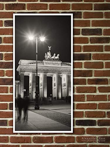 Fine Art Print auf LKW-Plane, Berlin - Brandenburger Tor bei Nacht (Analoge Fotografie), 100 x 50cm