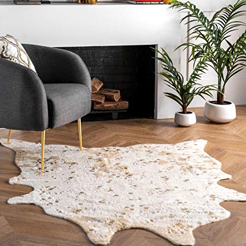 nuLOOM Iraida Faux Cowhide Shaped Rug, 5' 9
