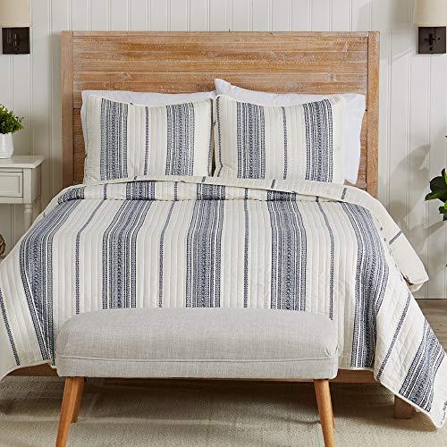 Great Bay Home Travino Collection Bettwäsche-Set mit Betten, 3-teilig Tagesdecke, wendbar, geometrisches Muster Maschinenwaschbar. Full/Queen weiß/Marineblau