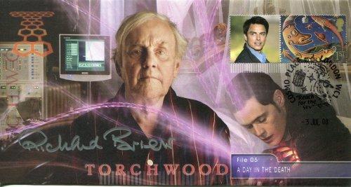 Torchwood - Timbro ufficiale autografato da collezione – Un giorno in the Death File n. 05 – firmato personalmente dal tardo Richard Briers Henry Parker – Edizione limitata