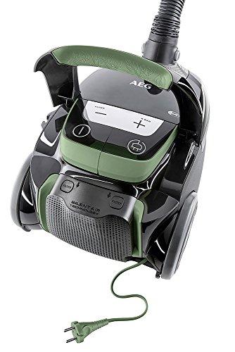 AEG VX8-4-ÖKO Staubsauger (mit Beutel, 750 Watt, nur 58 dB(A), inkl. Hartbodendüse, 12 m Aktionsradius, Softräder, 3,5 Liter Staubbeutelvolumen, waschbarer Allergy Plus Filter) schwarz/grün