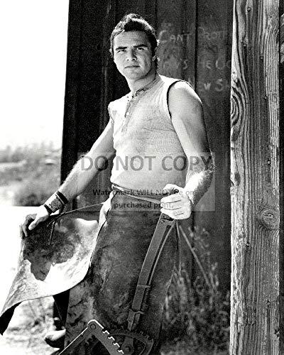 bucraft Burt Reynolds AS Quint Asper in Gunsmoke - 8X10 Publicity Photo (AB-030)