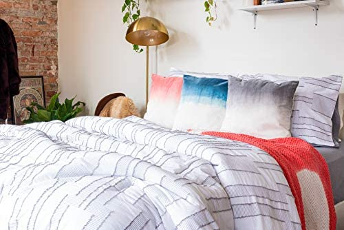 Up to 30% off on Bedding from Refinery29, Tahari Home and more