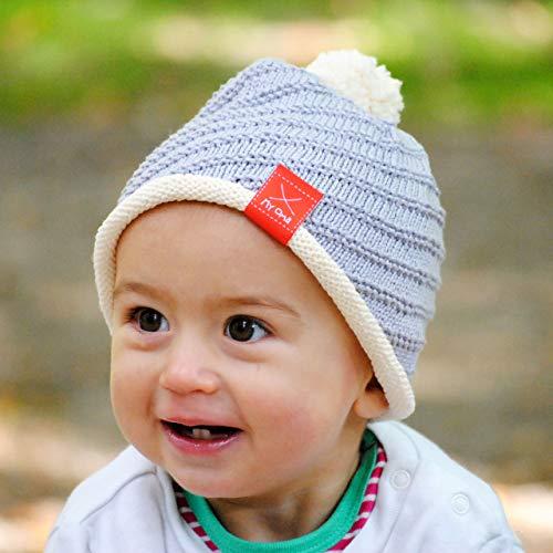 MyOma Baby Stricken - DIY Set Baby Mütze und Söckchen - Strickset Baby mit 3 Knäuel Baumwolle Cotton Pure, Strickanleitung, GRATIS Label - Babysocken Stricken Set + Strickset Babymütze - Baby DIY