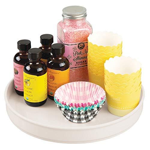 mDesign Especiero Giratorio para Cocina – Elegante Estante para Especias, Pimienta, Ingredientes de Hornear o conservas – Bandeja giratoria Redonda para aparador o armarios de Cocina – Color Crema