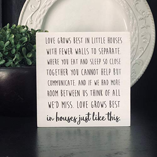 456Yedda Wood Sign Love Grows Best in Little Houses Wood Quote Block Quote for Shelf Or Gallery Wall Small Decor Wooden Sign Wooden Signs for Home Decor