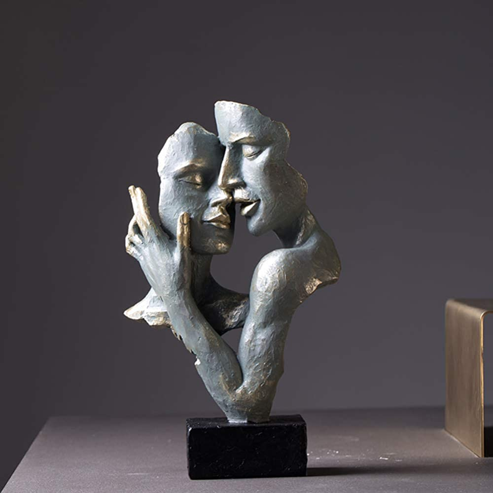 Micaza statua romantica coppia