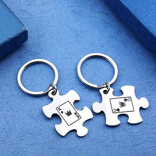 EIGSO Matching Puzzle Piece Keychain Set Couple Keychain Gift for Lover Couple Jewelry Cute Couple Gifts for him and her - Poker King & Poker Queen(PokerKQ-KR)