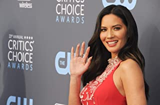 Posterazzi Poster Print Olivia Munn at Arrivals for The Critics' Choice Awards Barker Hangar Santa Monica Ca January 11 2018. Photo by Elizabeth GoodenoughEverett Collection Celebrity (20 x 16)