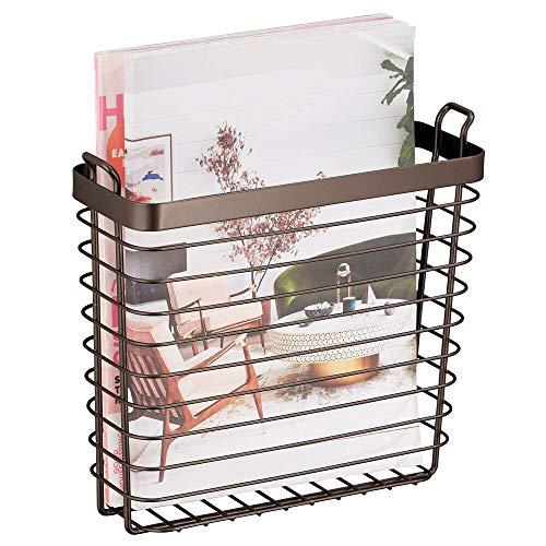 mDesign Zeitschriftensammler zum Aufhängen – moderner Zeitungshalter aus Metall – schicker Zeitungsständer für Magazine, Bücher, Bürounterlagen und Co. – bronzefarben