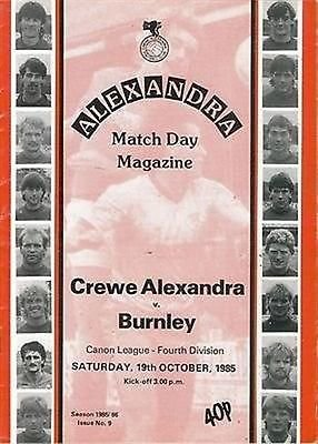Crewe Alexandra Burnley (Away club) 19/10/85 GRESTY Road football programme