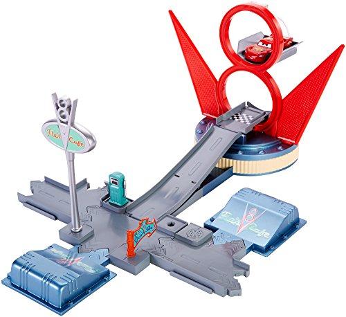 Cars - Cdw68 - Circuit de véhicules Miniatures - La Station Essence De Flo
