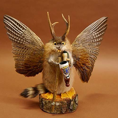 GTK - Geweihe und Trophäen KRUMHOLZ Wolpertinger Wolpi Präparat Taxidermy mit große Flügel, Pfeife & Stock, mit gelben Augen Gaudi #86.7.20
