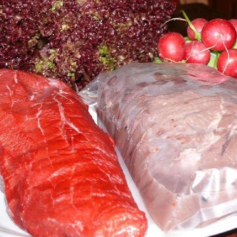 Schwarzwald Metzgerei - Badischer Sauerbraten, saftiges und mageres Stück vom Rinderbullen, ohne Knochen, küchenfertig eingelegt - 1200g