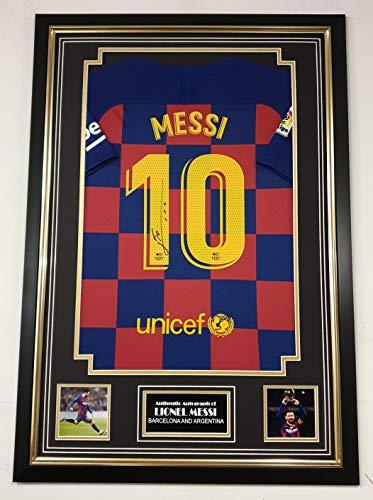 WWW.SIGNEDMEMORABILIASHOP.CO.UK Signiertes Shirt von Lionel Messi.