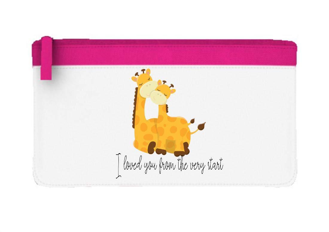 Estuche plano con diseño de jirafa con texto en inglés