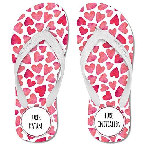 Palupas Geschenk für Hochzeitstag | Herzen-Flip Flops selbst gestalten mit Namen & Hochzeitsdatum | Geschenk zum Hochzeitstag – inkl. GRATIS Schuhbeutel