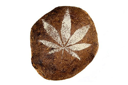 Bio Hanfbrot genetztes Dinkelbrot Brot ohne Weizen mit Hanfsamen frisches Bäckerbrot