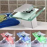 FBGood Robinet à LED - Robinet Lumineux à LED Embout de Robinet Robinet Auto-alimenté par Robinet Lumineux Coloré de Robinet de LED pour la Cuisine de Salle de Bains Robinet Lumineux Coloré