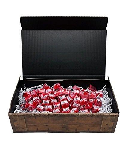 Ferrero Mon Cherie Geschenk Schatztruhe mit 60 Pralinen - die kleine Kostbarkeit für Ihre Liebsten - perfekt zum verschenken oder auch als Dekoration.