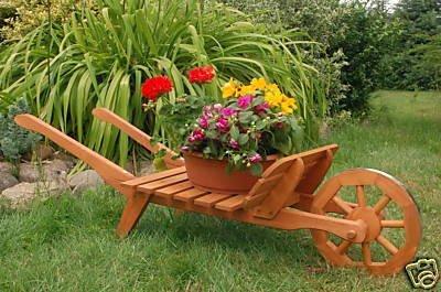 Dekorative massive Schubkarre XXL, behandelt aus Holz, Gartendeko, bepflanzen möglich, Pflanzkorb, Blumentopf, Blumentopf, Pflanzkübel, Pflanztrog, Pflanzgefäß, Pflanzkarre, Pflanzschale, Pflanzkasten, Übertopf, Blumenkasten