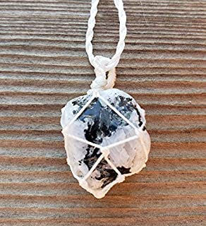 netted stone necklace