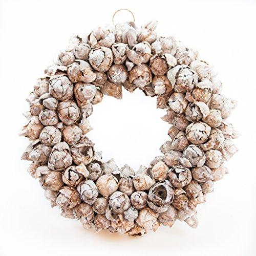 COURONNE Türkranz mit Aufhängevorrichtung 30cm in White wash, gefertigt aus Kokos-Früchten - Deko aus Naturmaterialien als Herbstdeko im Shabby chic Design