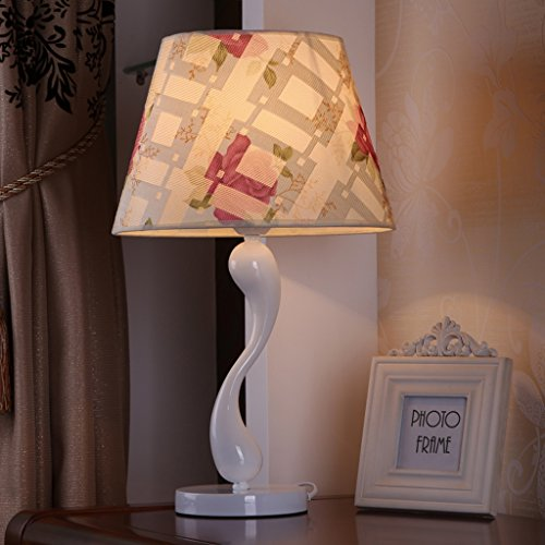 Bonne chose lampe de table Lampe de bureau contemporaine moderne de chambre à coucher à la mode
