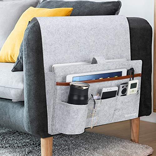 Betoores Armlehne Organizer für Sofa Couch, Stuhl, Sessel, rutschfeste TV-Fernbedienungshalter mit 5 Taschen für Zeitschriften, Bücher, Handy, iPad - Hellgrau
