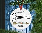 Dozili - Ornamento per Nonna con Scritta in Lingua Inglese Reveal to Grandma [Lingua Inglese]