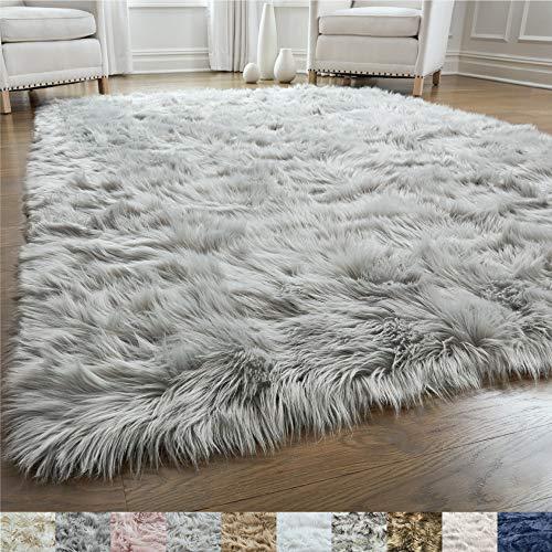 Gorilla Grip Original Premium Faux Fur Area Rug, Soft Living Room Area Rug, 5x7, Bedroom Floor Rugs, Softest Feeling Carpet, Best Touch, Luxury Modern Room Decor, Rectangle, Light Gray