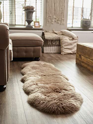 Yukon International großer Schafffell Teppich, 180cm x 55cm ca., mokka, echte Schafwolle, ökologischer Herstellung, Bettvorleger, Wohnaccessoire