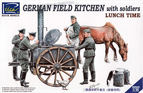 Riich Models rv35045 – Modèle Kit German Field Kitchen with Soliders (Cook & Three German Soldiers, Food Containers