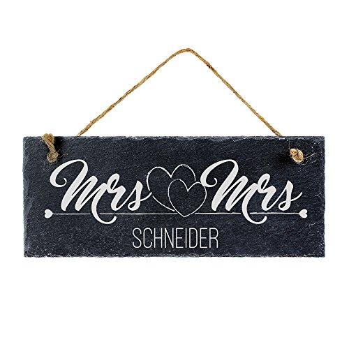 Casa Vivente Schiefertafel mit Gravur zur Hochzeit, Motiv Herzen, Mrs. and Mrs, Personalisiert mit Name, Geschenkidee für gleichgeschlechtliche Paare
