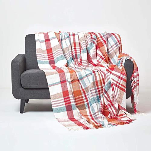 Homescapes große Tagesdecke Falun aus 100prozent Baumwolle, rote Wohndecke mit Tartan-Muster, kuschelig weicher Chevron-Überwurf mit Fischgrätenmuster, 225 x 255 cm