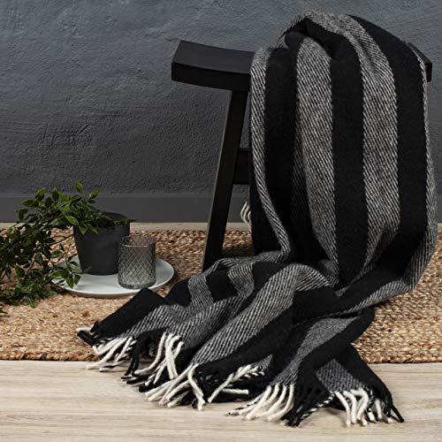 Arctic Wolldecke Circus - Hochwertiges Plaid im Scandi Design - 100prozent Schurwolle mit Woolmark Siegel - 130 x 200 cm - Schwarz