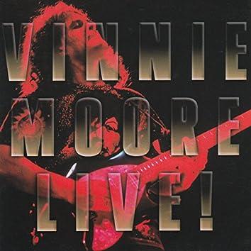 Vinnie Moore (Live)