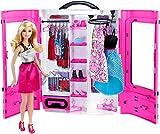 Barbie Fashionistas dressing rose et poupée blonde avec haut argenté et jupe rose, fourni avec plus de 15 accessoires, jouet pour enfant, DMT58