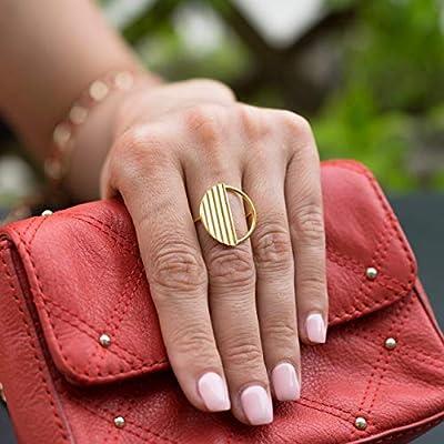 Bague ronde en argent sterling 925 pour femme, faite à la main par Emmanuela, avec surface à volants, bague minimale boho haute couture, bague ronde originale bijoux faits main originaux
