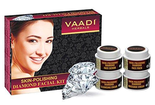 Kit facial de Vaadi Herbals - kit facial de diamant de peau-polissage - tout normal - approprié à tous les types de peau et tous les deux pour des hommes et des femmes - 70Grammes