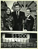 Historic Images - 1993 Press Photo Contestants of The Wheel of Fortune with Pat Sajak