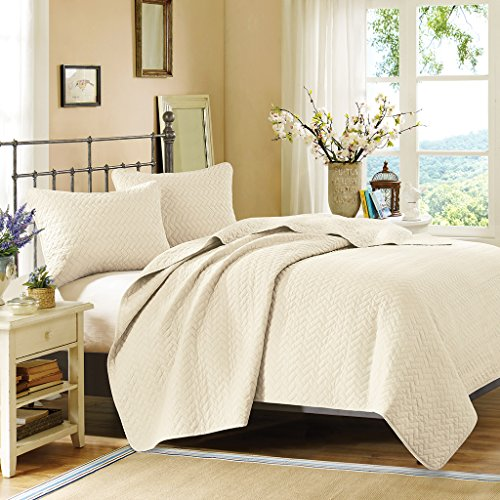 Hampton Hill Velvet Touch Coverlet Set Ivory Queen