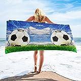 Toalla de Playa Microfibra Fútbol bajo Cielo Azul y Nubes Blancas Toalla de baño Toalla de Microfibra para Playa Baño Accesorios para Acampar Toallas de baño para Adultos
