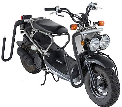 Rack especial para moto y scooter con desmontaje rápido de los tubos cuando no se transporta la tabla. Materiales de calidad: aluminio y acero inoxidable. No se oxida. Se adapta rápida y fácilmente a la mayoría de los scooters y motos. Espuma de prot...