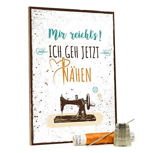 GRAVURZEILE Holzschild mit Spruch - Mir reicht's ich geh jetzt nähen - Moderne Kunstdrucke auf Holz - Wand Dekoration im Vintage-Look Kunstdruck für Familie Freunde in Küche Home & Co