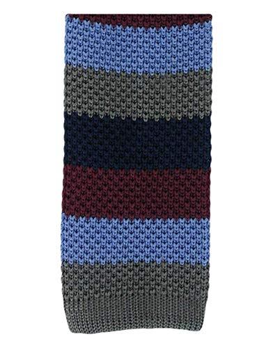 Une cravate étroite en soie tricotée à rayures grises Michelsons