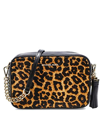 The Michael Kors Jet Set camera bag is constructed from luxe calf hair in a bold leopard print and is accented with premium leather trims and gold-tone metallic chain-link hardware for a glamorous effect. This versatile bag has an adjustable crossbod...
