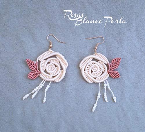 Pendientes artesanales de Macramé Rosas Blanco Perla