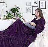 DecoKing Manta de Microfibra, con Mangas y Bolsillos, Forro Polar Suave y cálido, con Compartimento para los pies 150x180 cm Violeta
